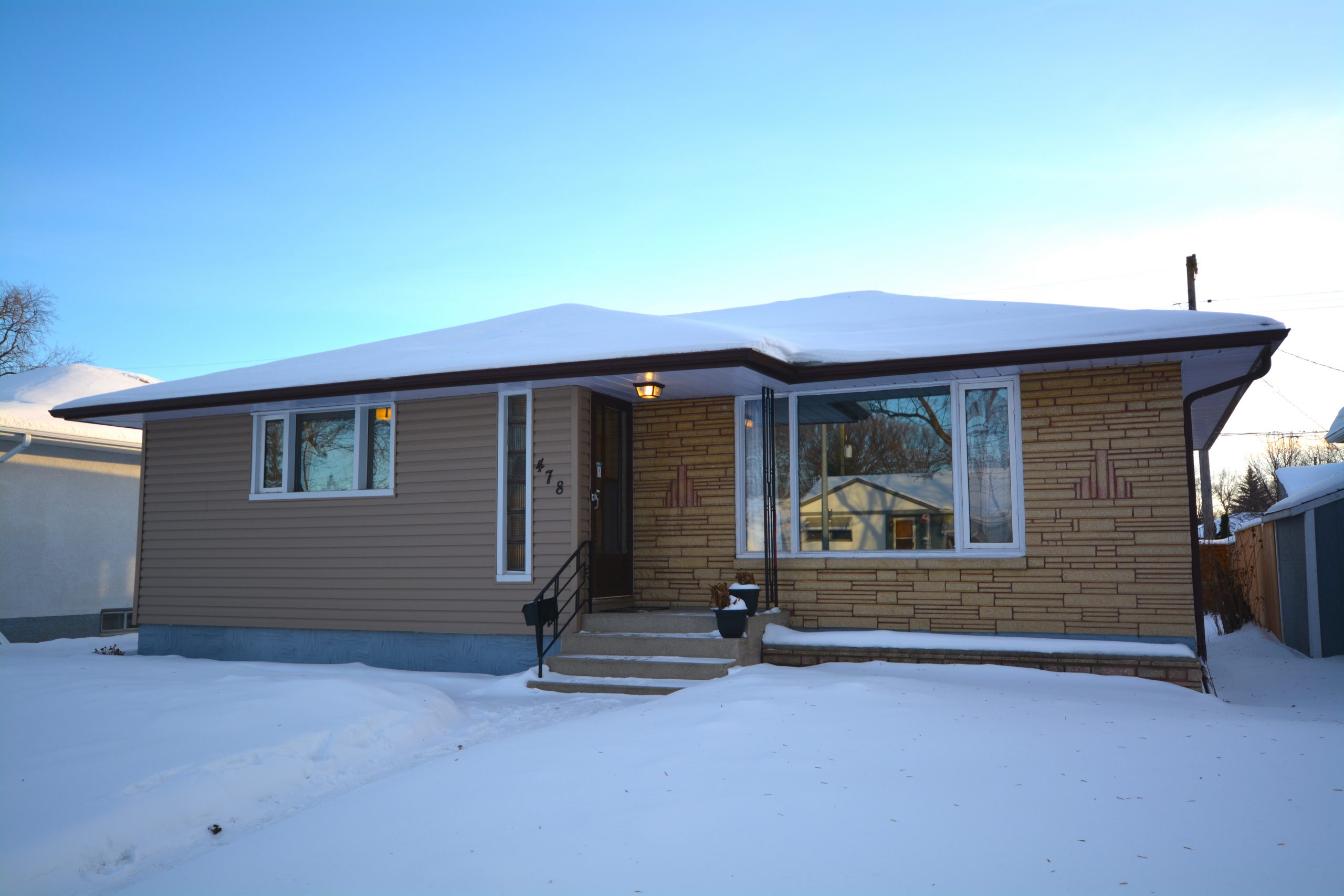 Beautiful East Kildonan Bungalow