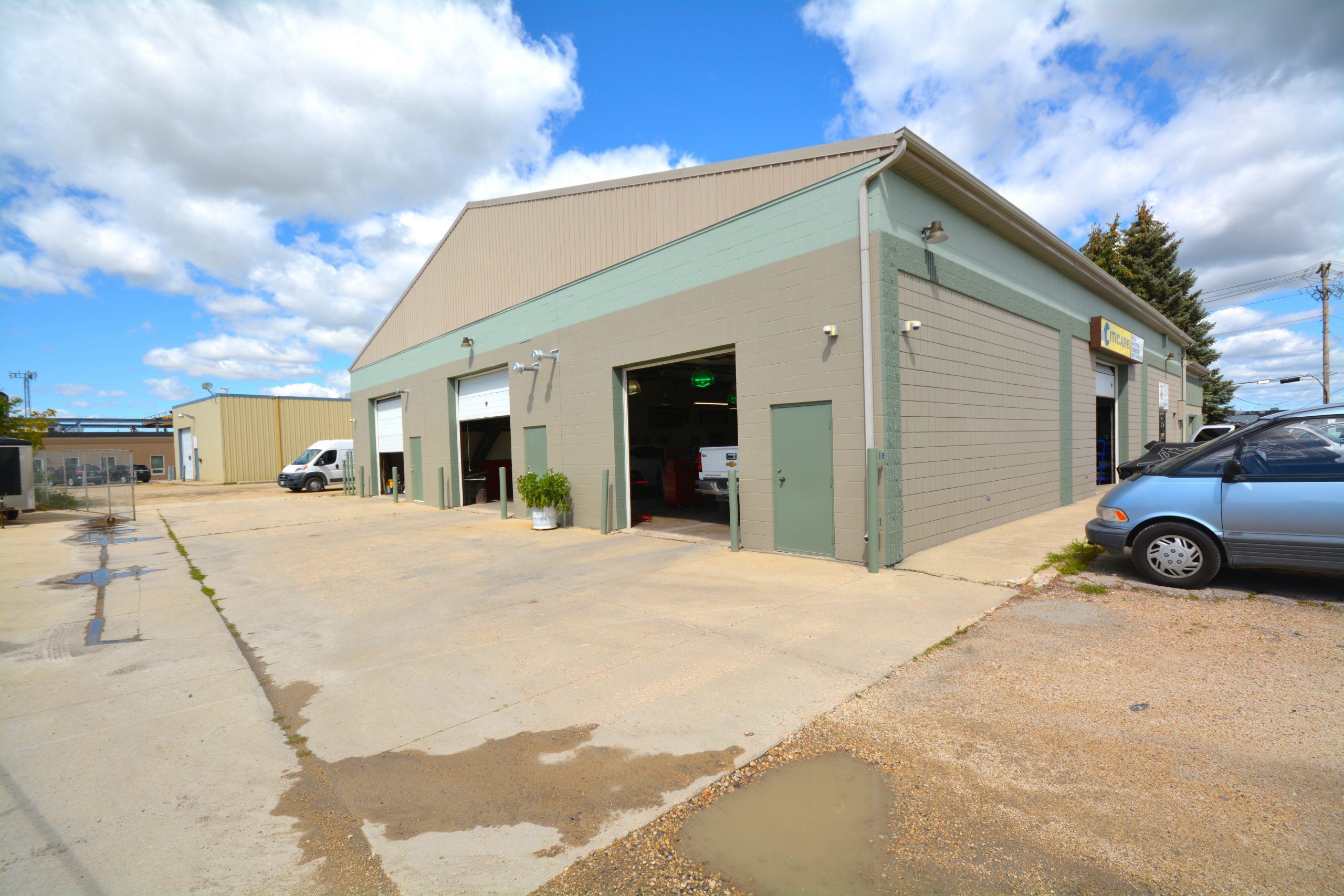 Established Mechanic Shop/Garage For Sale