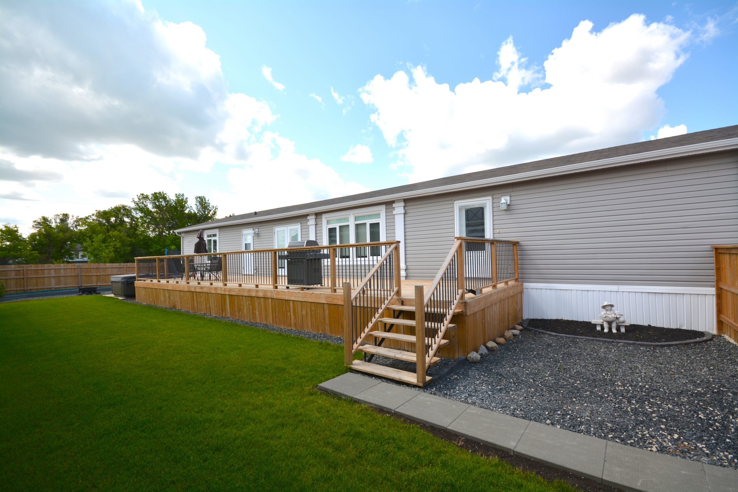 9 Timber Lane – Pine Ridge Trailer Park For Sale
