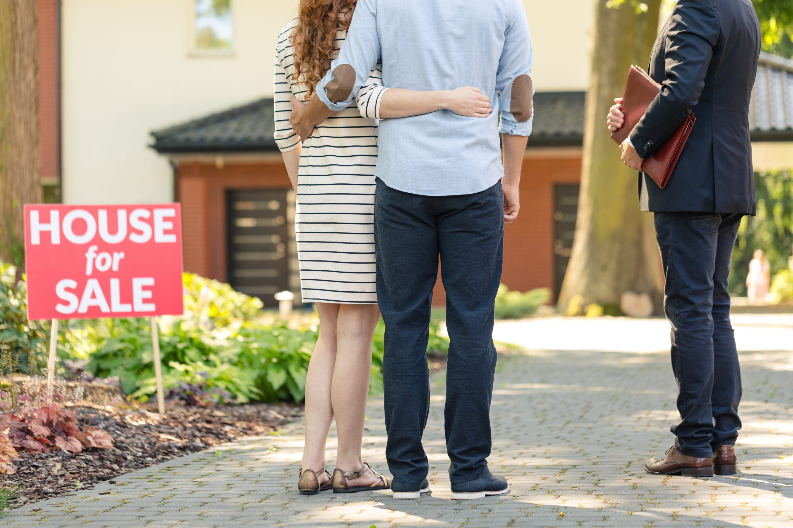 Should I use more than one real estate agent?