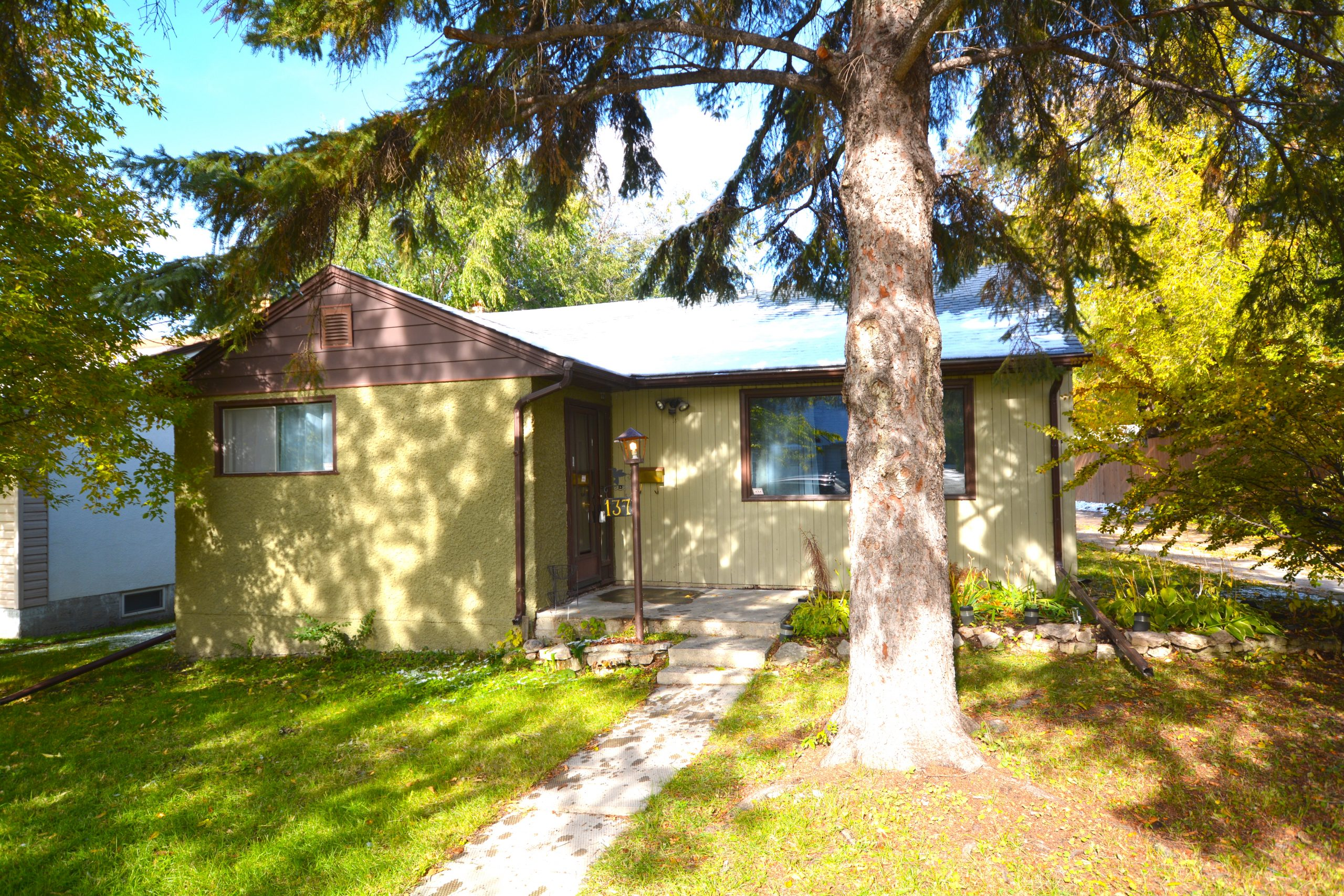 137 Kilbride Ave – Scotia Heights house for sale