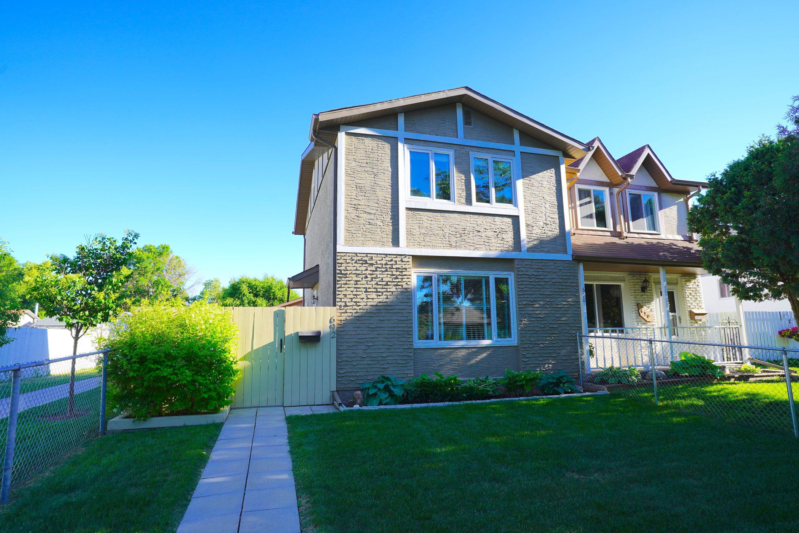 692 McMeans Avenue E – Transcona Home For Sale