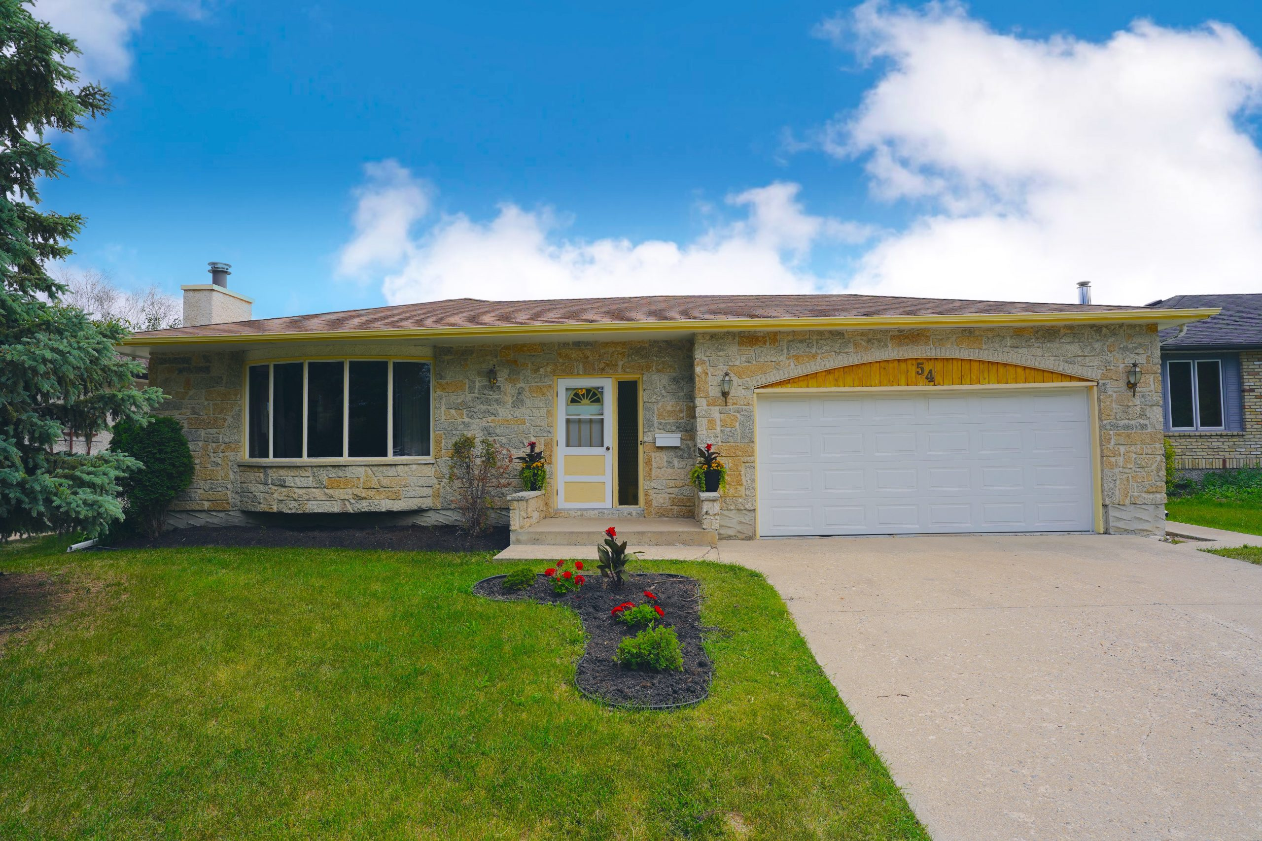 54 Anneville Crescent – Maples House for Sale