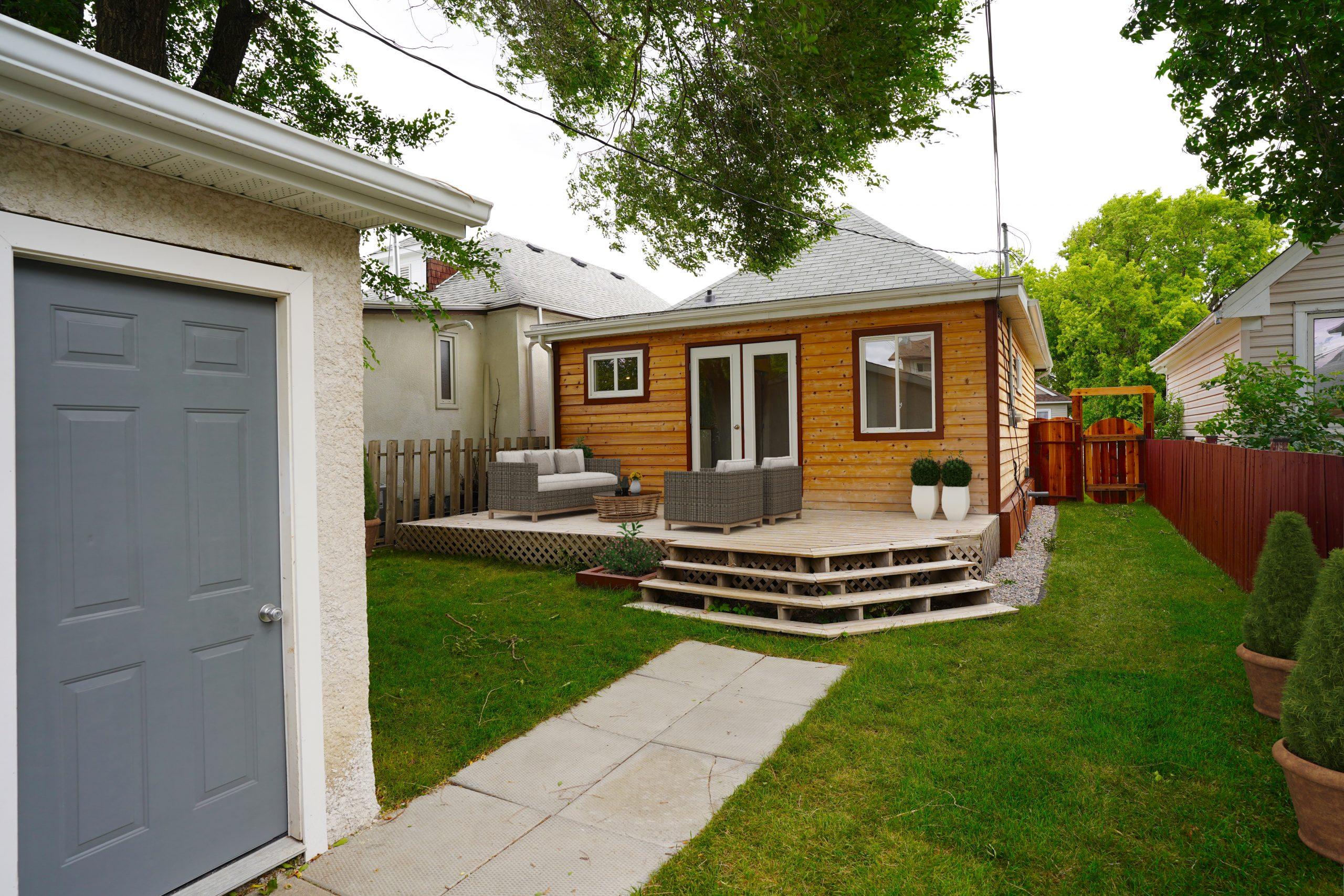 290 Jamison Ave – Elmwood House For Sale